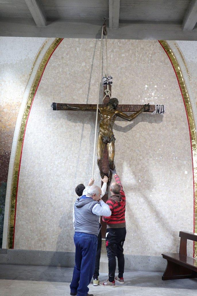 Lavori Mosaico Crocifisso 1
